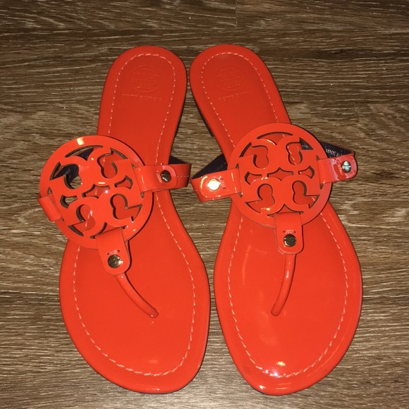 29d58ed88 Tory Burch Orange Patent Miller Sandals 8. M 5aad566dc9fcdf3235174e3e